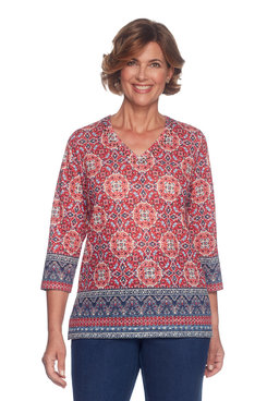 Petite Border Medallion Top