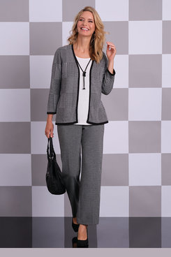 Image: Petite Houndstooth Knit Proportioned Short Pant