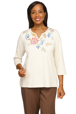 Image: Plus Women's Casual Floral Embroidery Yoke Knit Top
