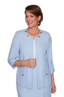 Image: Plus Women's Elegant Textured Jacket