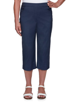 Image: Plus Women's Slim-Fit Comfort Stretch Denim Pull-On Capri