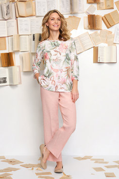 Image: Women's Floral Textured Knit Top
