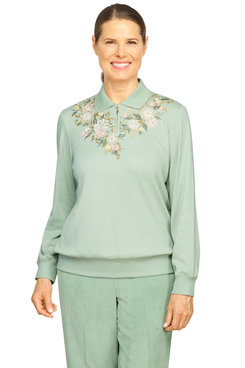 Image: Women's Floral Yoke Embroidery Lightweight Pullover